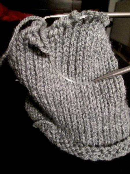 knitting a beanie