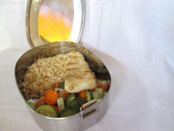 Lunchspiration - Fisch mit braunem Reis und Gemüse